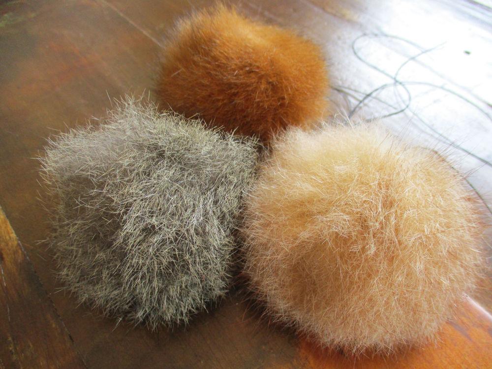 Picture of Fur Pompoms